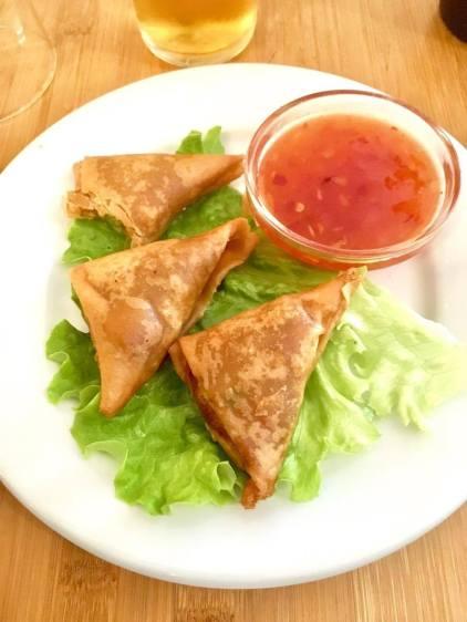 padang padang samossas de légumes restaurant cuisine végétarienne
