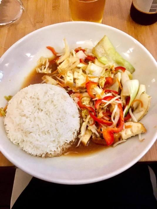 tofu sauté aux légumes végétarien cuisine padang padang bordeaux